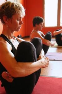mara-universal-yoga3